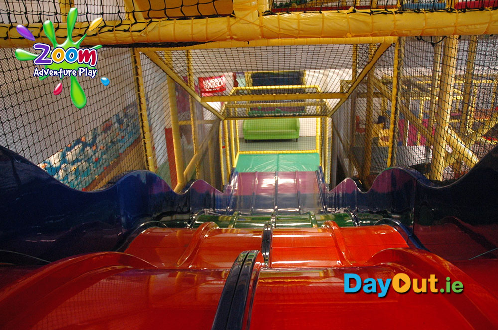 zoom-adventure-play-slides